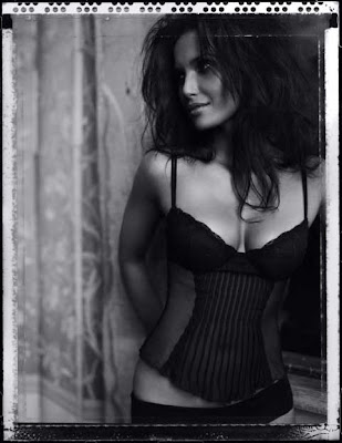Padma Lakshmi Hot Chef in Lingerie Pictures