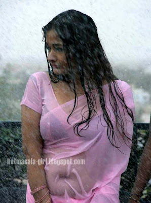Kiran Rathod Looks Hot In Pink wet Sari