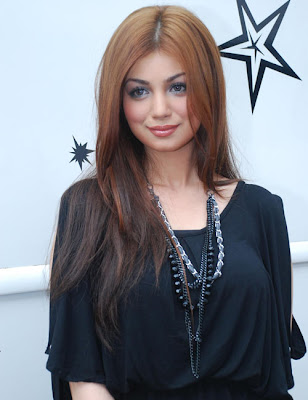 Ayesha Takia Hot New Blonde Look