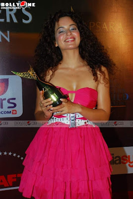 Kangana Ranaut Sizzles at Apsara Awards