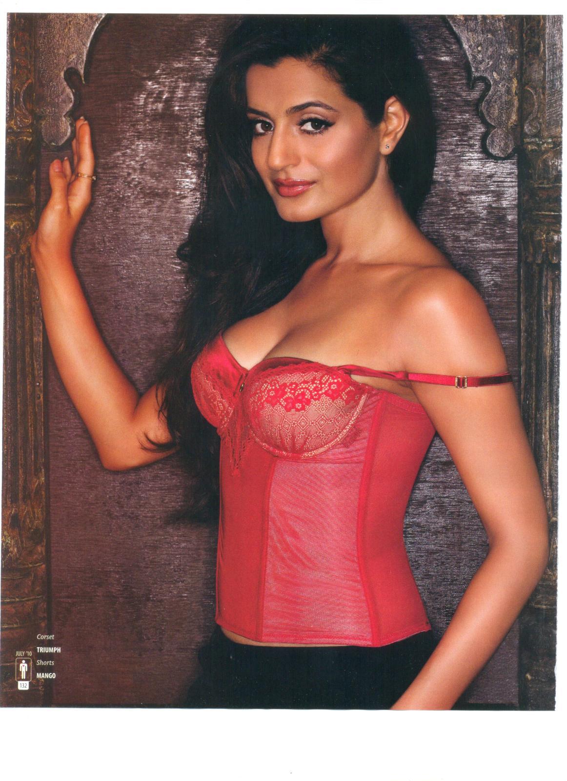 amisha patel hot photoshoot for the man magazine ~ daily infotainments