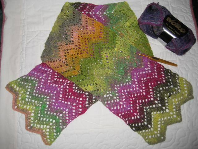 Ripple Stitch Knitting Pattern Scarf : Julias Place: Playing with Yarn..