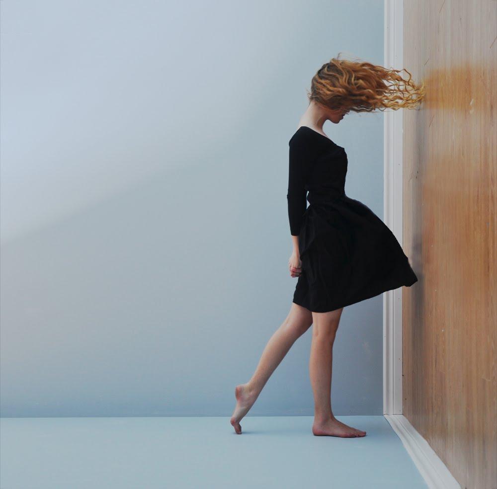 http://3.bp.blogspot.com/_Wv93jdk4qnU/S-0GZHs7BWI/AAAAAAAAGL0/naWM4TUXVKw/s1600/lissy-laricchia_fashionproduction_1.jpg
