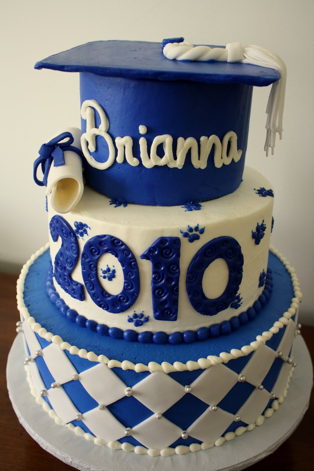 Best Cake Design Schools : Claudine: Graduation Cakes