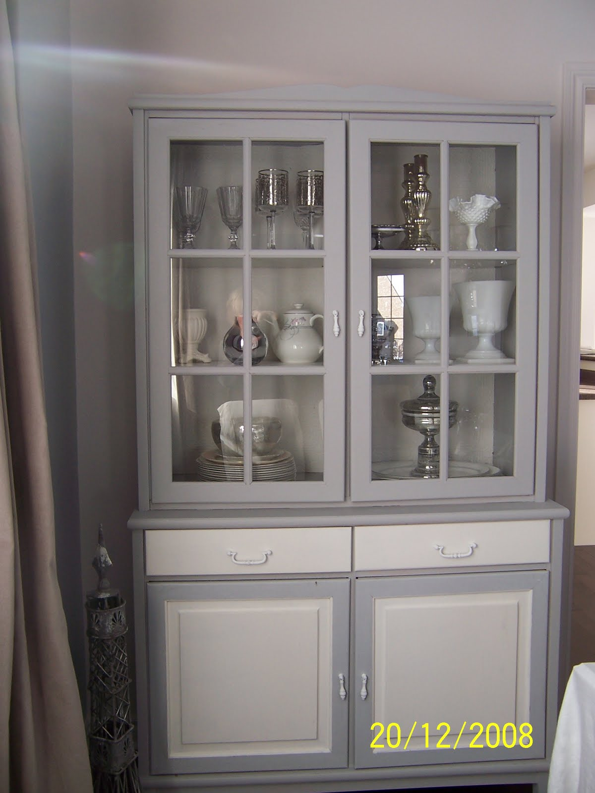 white cottage chic dining cabinet