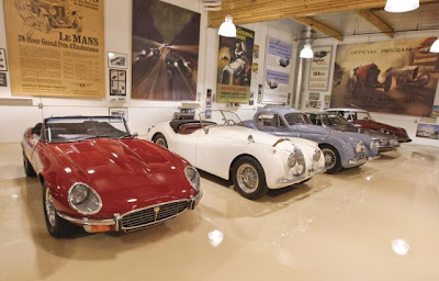 Just cool pics jay leno s enormous car collection for Garage gdn auto