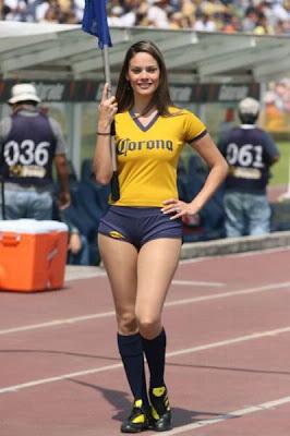 Hot American Cheerleaders 19 Hot American Cheerleaders Pictures Seen on www.VyperLook.com