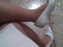 mis zapatos bordados blancos