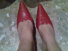 mis queridos zapatos viejos rojos