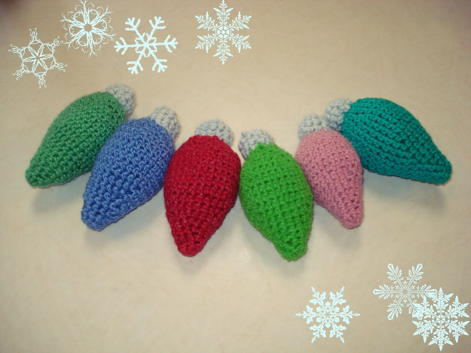 Crochet Ornaments : twobutterflies: Crocheted Vintage Christmas Bulb Ornaments