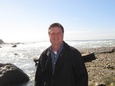 Artist Roland Lee at the Cabrillo Tide Pools in San Diego