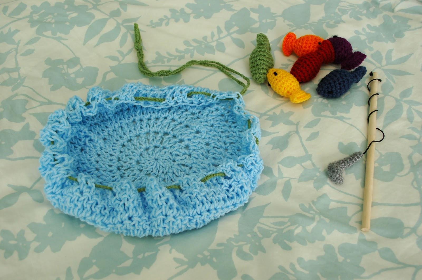 Alli Crafts: Free Pattern: Fishing Game Kid\'s Toy