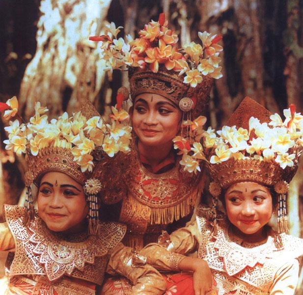 Karakter Orang Bali