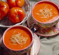 Sopa de Tomate com Brotos de Soja