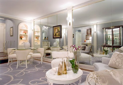 Living Room Mirror on Designed This Beautiful Glamorous Living Room With It S Mirrors