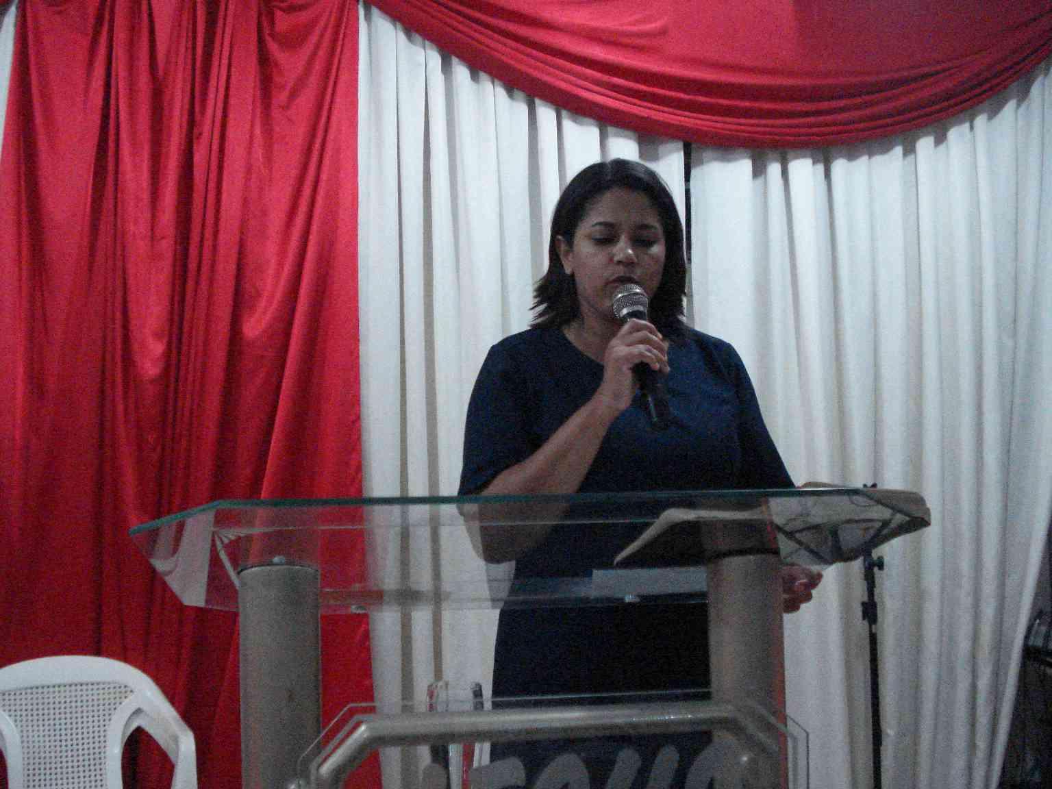 Pastora Aline Fernandes