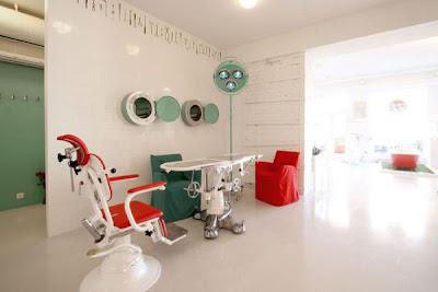 bizarre-stuff-Hospital-Restaurant-+Latvia-11