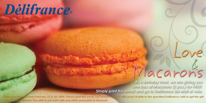 [delifrance+macarons.jpg]