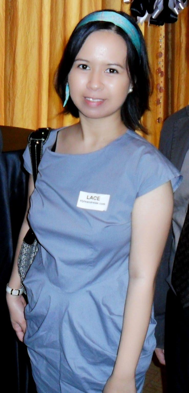 http://3.bp.blogspot.com/_X3hI3hadKJ0/TK9iPcwsGrI/AAAAAAAAELs/A0fr7HHcgxo/s1600/tiffany+scarf+on+lace.JPG