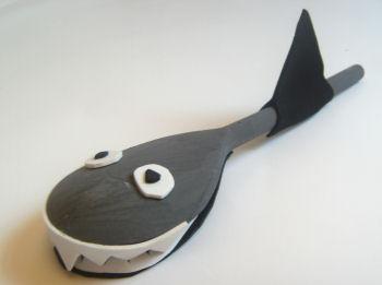 اعمال فنية جميلة لقضاء وقت الفراغ  Wooden_spoon_shark