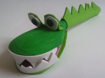اعمال فنية جميلة لقضاء وقت الفراغ  Wooden_spoon_crocodile