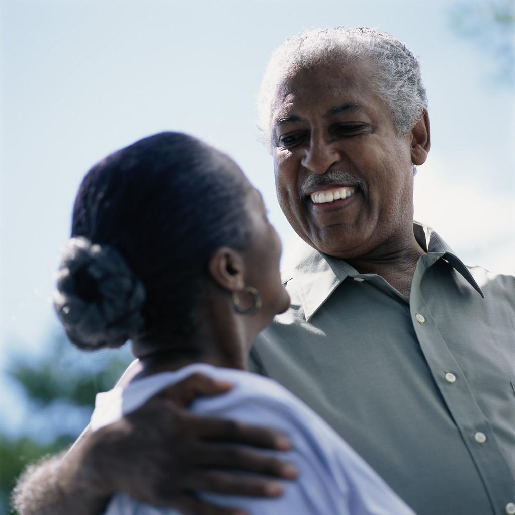 http://3.bp.blogspot.com/_X5EqA2S8LG8/TNWFxDwQbnI/AAAAAAAAAvU/jDCzsVXnMkQ/s1600/elderly%2Bblack%2Bcouple.jpg