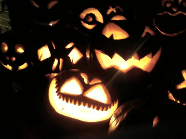 [halloween3.jpg]