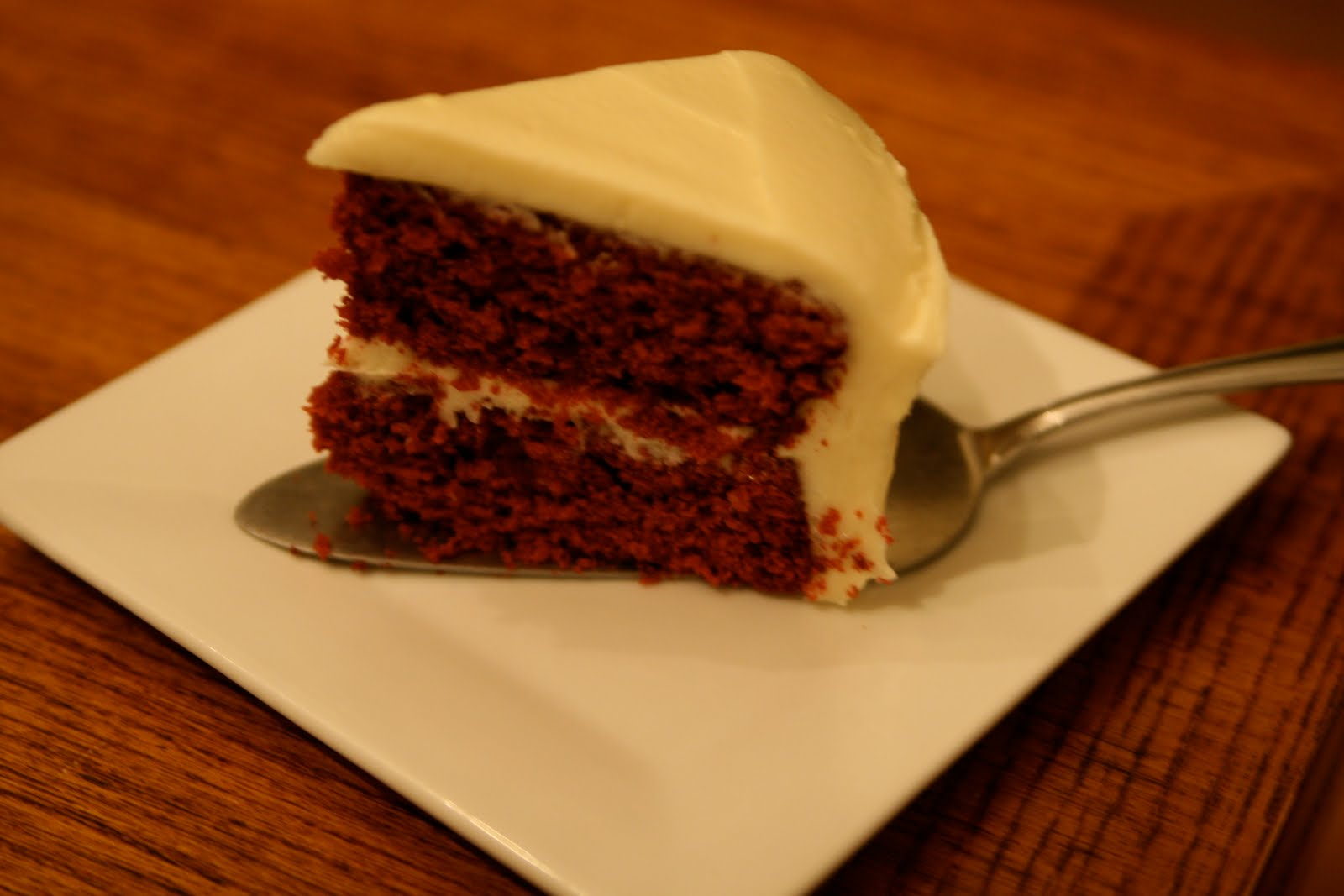 Can someone help me write an PROCESS essay on, how to bake/ prepare a red velvet cake.?