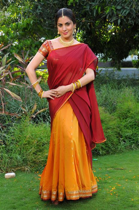 shraddha arya in half saree latest photos