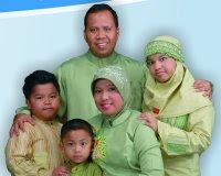 Drs Irwan Nasir Msi bersama keluarga