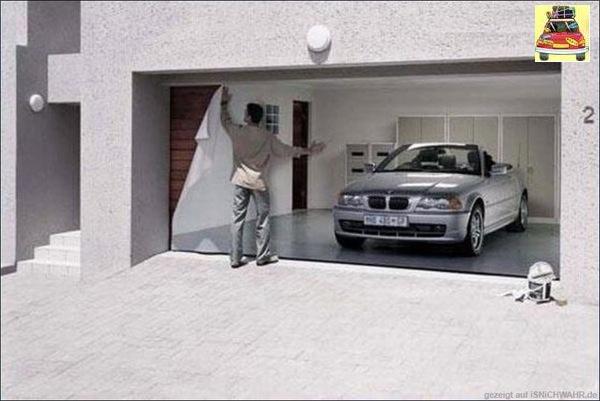 colagem de adesivos na garagem com imagem de uma super carro importado para impressionar a vizinha ou o vizinho