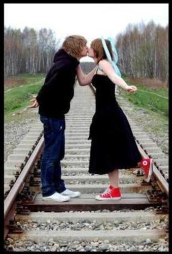 fotos de amor emo. imagenes de amor de lejos.