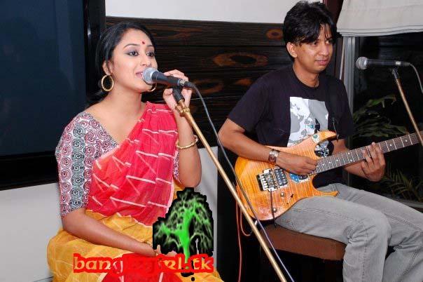 Banglarxxx Blogspot Com: Bangladesh Hero Alom: Bangla Song Show