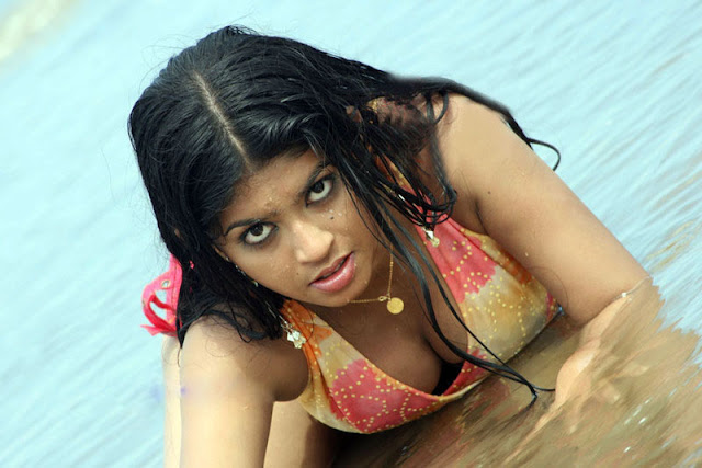 Dhaka hot girl Boobs Show