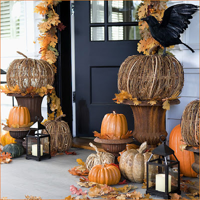 Outdoor decor for fall interior home design for Fall decorations for outside the home