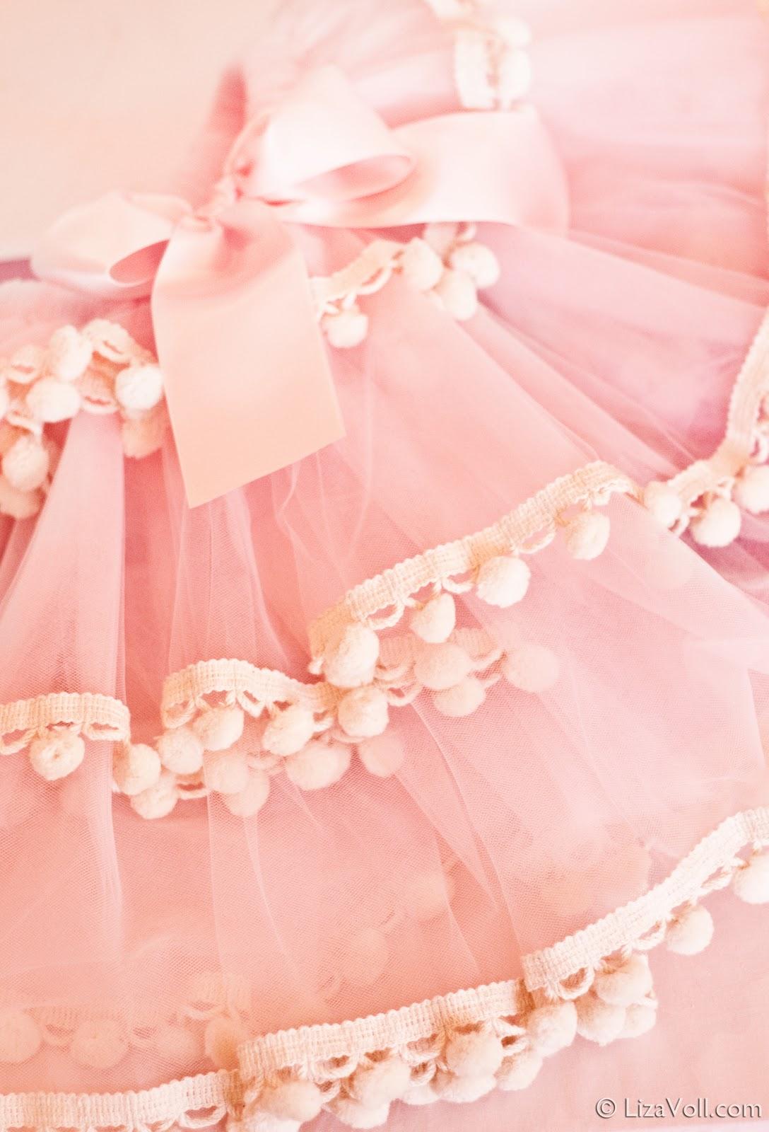http://3.bp.blogspot.com/_XC3yUCVYgvo/TUtCrzsff7I/AAAAAAAAFHo/zpNwdxEMvuI/s1600/Sugarplum+Party+%25C2%25A9+Liza+Voll-102.jpg