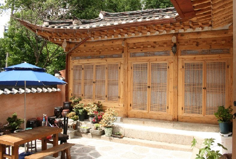 Courtyard of Yoo's Home