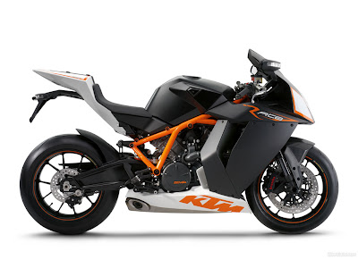 KTM RC8 right side view