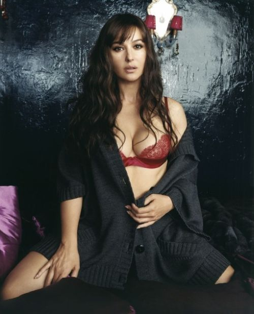monica bellucci matrix pics