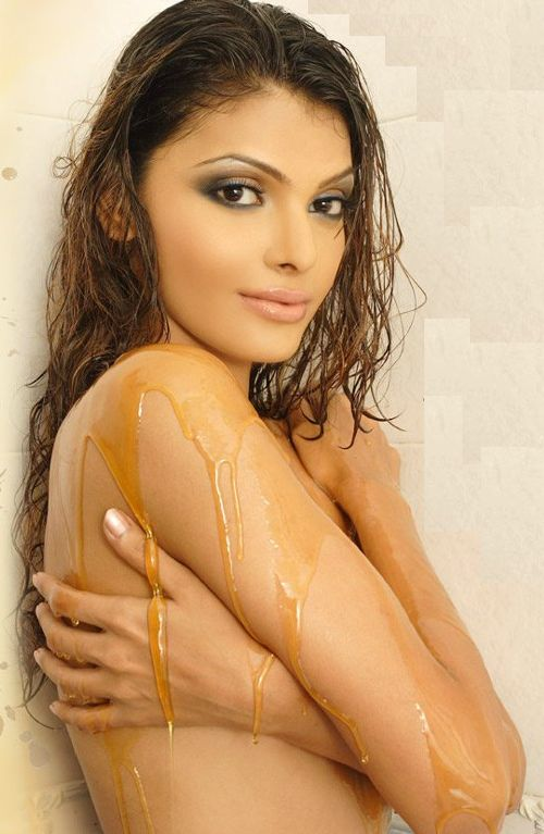 hot mona chopra wallpapers