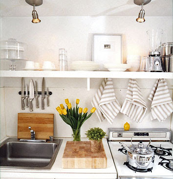 Simple eye tiny tuesdays small space living Decorating ideas for small apartment kitchens