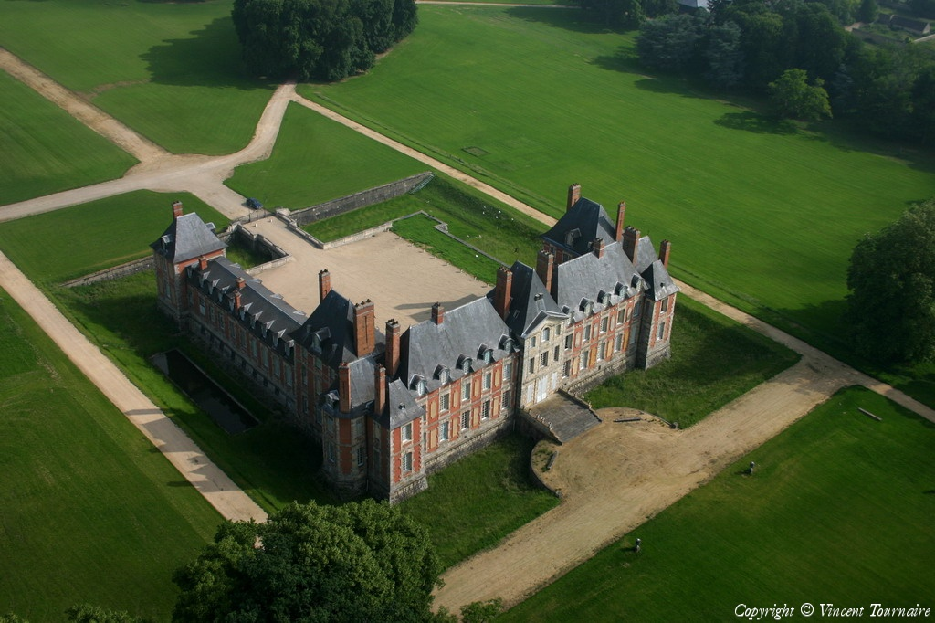 the castle by department - Chateau De Valnay Mariage