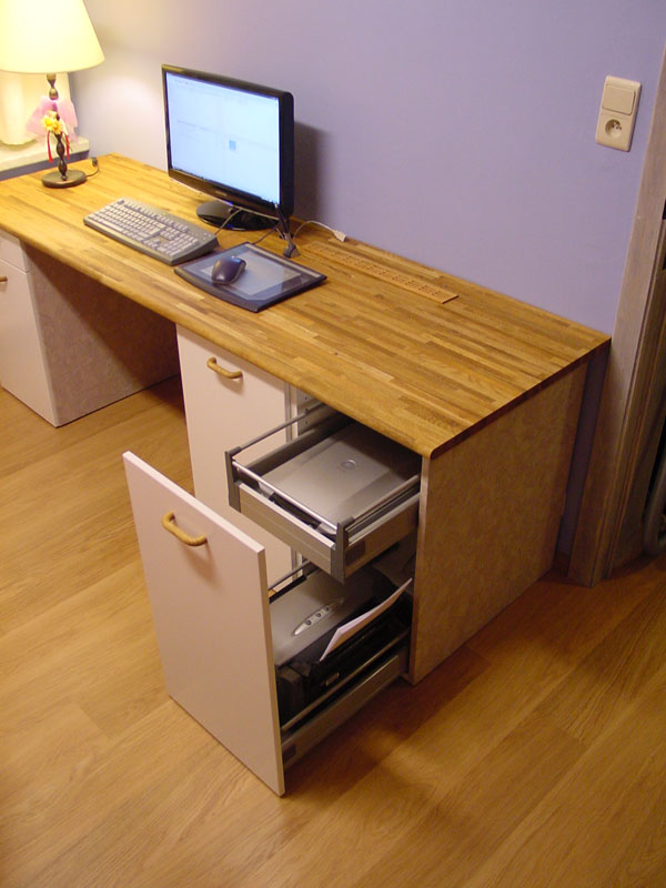 Custom computer desk for Unique computer desk ideas