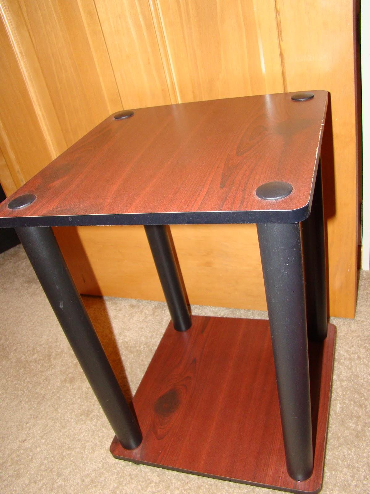 http://3.bp.blogspot.com/_XGtFDGrEiIM/TThh5taTeHI/AAAAAAAAAxo/8GGgEngca5k/s1600/Table+Before.jpg