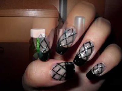 Trend black finger nails-1