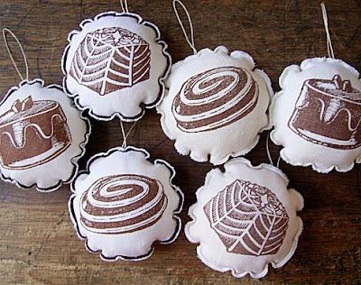 sewing patterns: stuffed ornament tutorial