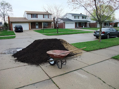 5, 6,7 yards of dirt delivered to the driveway, sand, topsoil