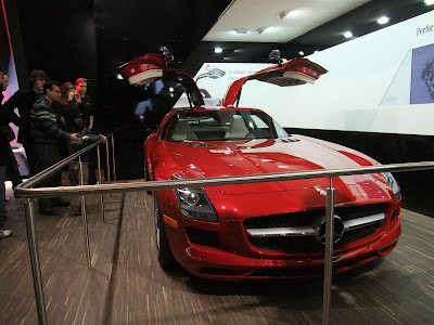 Mercedes 300SL, gull wing doors, red, detroit auto show
