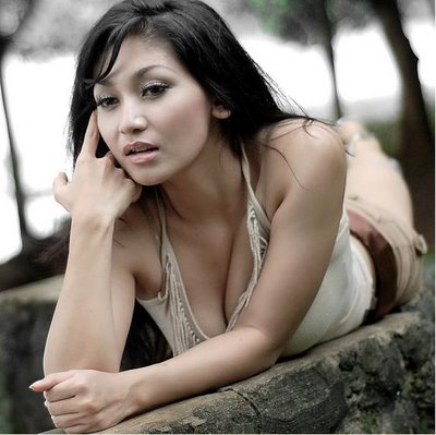 Putrantiwi on Dwi Putrantiwi Sexy Photo Gallery