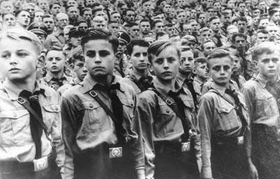 Sobre los hijos, los padres y el Estado. - Página 2 Juventud+hitleriana